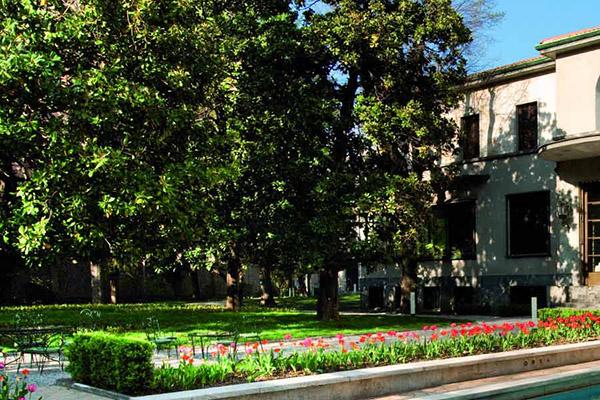 10 angoli verdi nascosti di milano 1 il giardino di for Foto angoli giardino