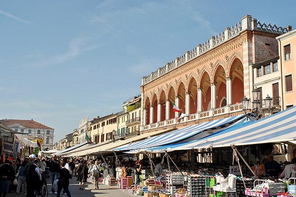10 mercati tipici da non perdere a padova 2 mercato in for Mercato prato
